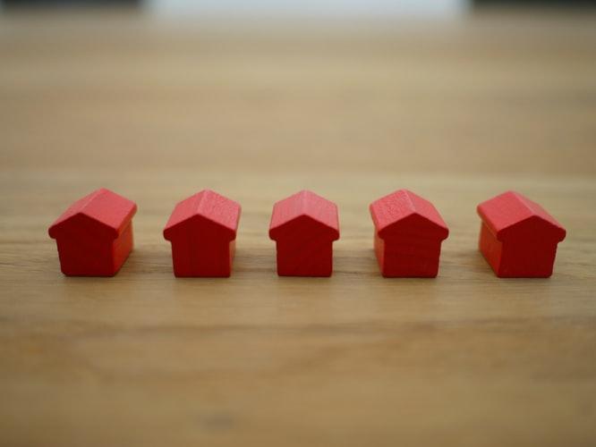 real estate agency in hadfield